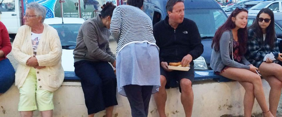 Polzeath Beach Cornwall Tuesday Evening around 8.00pm 23/08/16 Ex PM David Cameron and wife Samantha enjoy a fish supper after a day on the beach in Cornwall - Picture taken by a friend no by-line taken on i-phone